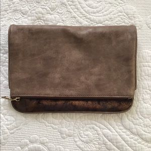 Clutch or shoulder bag